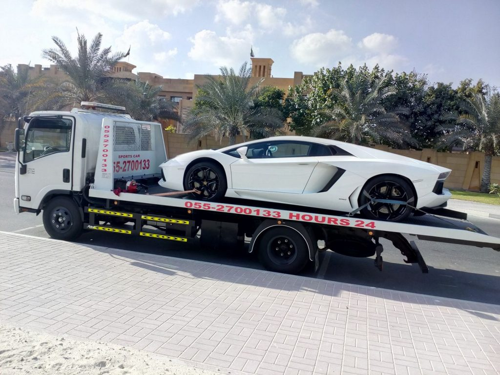 Blog Post Image: Vehicle Recovery Services on the road by Car recovery Abu Dhabi