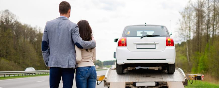 Recovery Services for a couple who faced car failure on the road